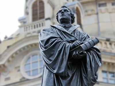 Luther-Statue vor der Frauenkirche in Dresden
