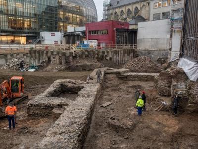 Fund in der Kölner Innenstadt: Grundmauern einer römischen Bibliothek