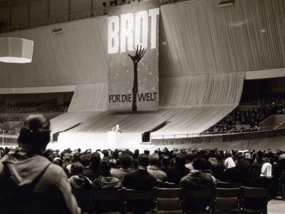 Versammlung von 'Brot für die Welt 1961 in der Deutschlandhalle Berlin