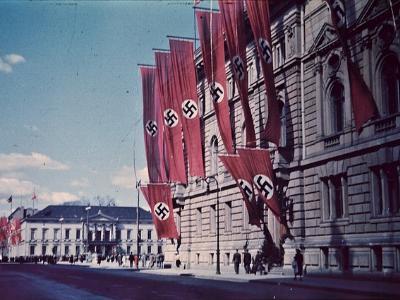 Hakenkreuzfahnen in Nazi-Deutschland