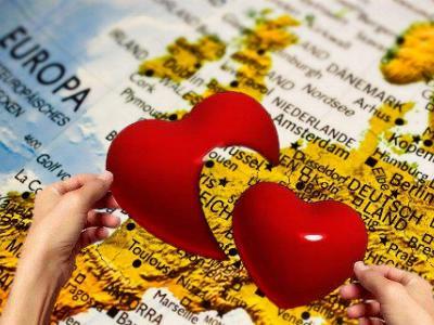 zerbrochenes Herz über einer Europa-Landkarte