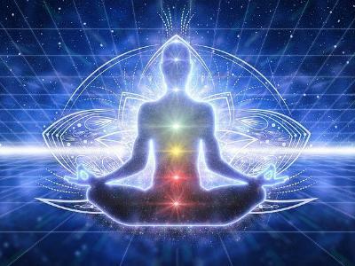 esoterische Kunstfigur bem Meditieren